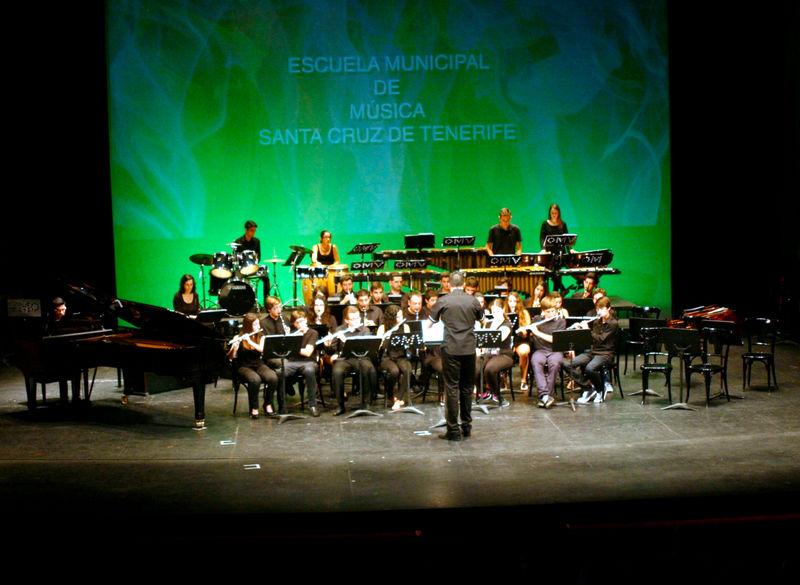 """Estudiantes de la Escuela de Música """"Guiados por la Música"""" llenarán de Navidad este miércoles el Teatro Guimerá"""