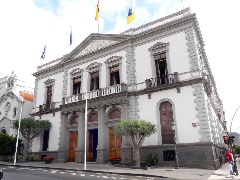 Santa Cruz se suma a la iniciativa de la Noche Violeta e iluminará su fachada del color del feminismo
